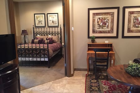 Large Private Guest House in North Scottsdale - Scottsdale