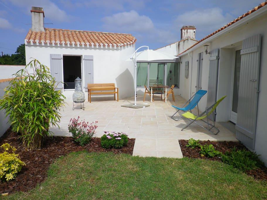Ideal entre plages marais et bourg maisons louer for Maison de l emploi noirmoutier