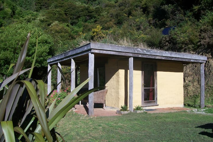 Kapakapawhai Eco Cabin - Todds Valley - Chatka