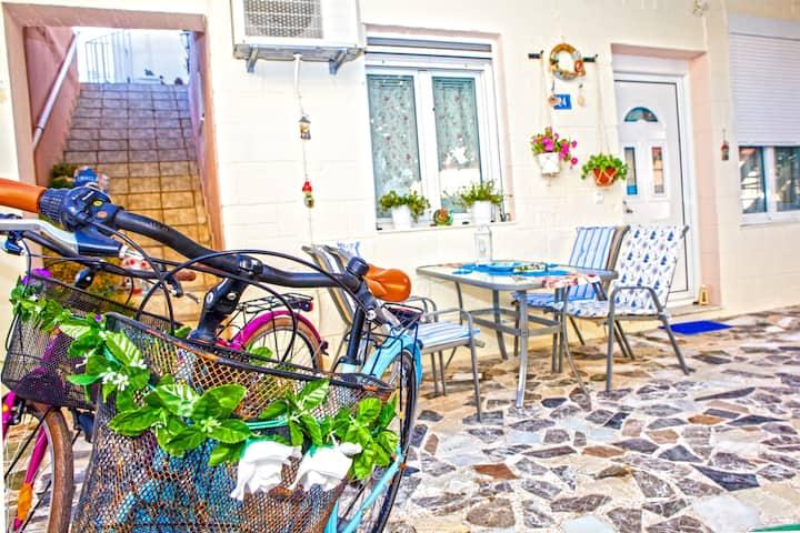 Rethimno Colour Studio with Free Bikes