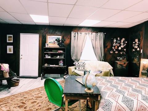 Cedar Studio Cottage: Ybor Port