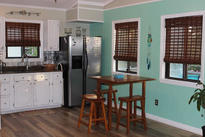Kitchen access, coffee provided