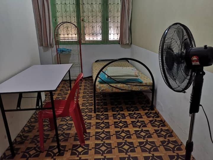 Convenient single room in Rawang