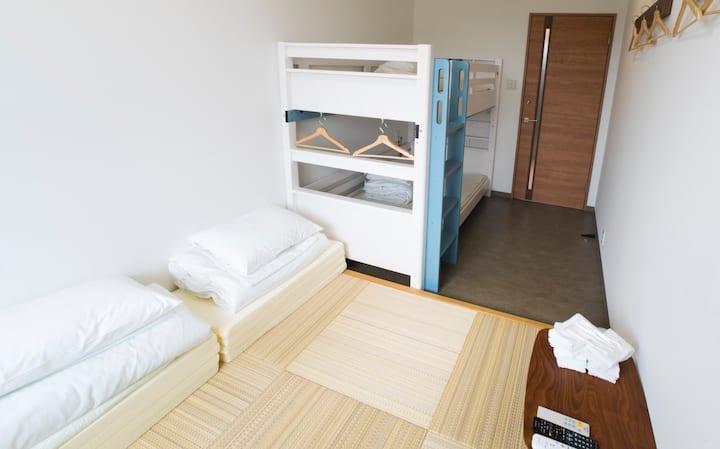 3-4名個室2019年10月オープン【ホステルサンテラスイシガキ/広い共有スペース】