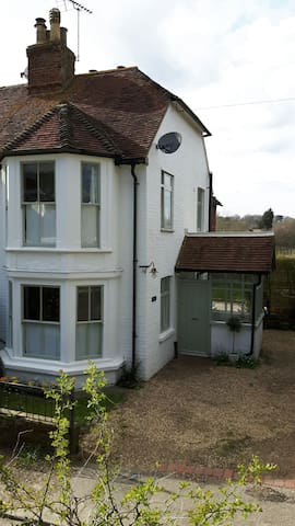 Boutique style cottage with hot tub - Maidstone, Kent - Casa