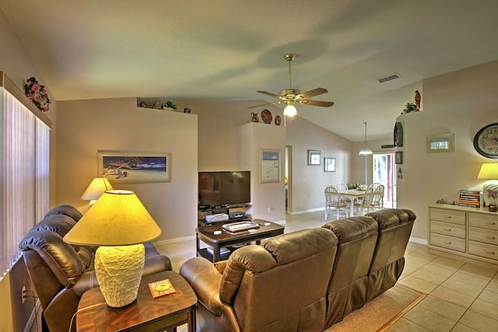 You'll love the 1,400 square feet of living space and accommodations for 6.
