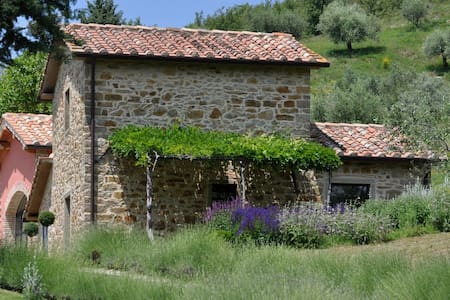 A luxury villa in the heart of Tuscany
