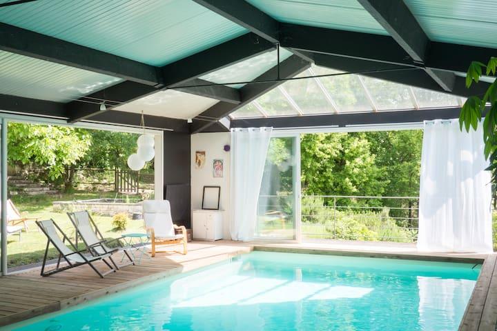 Loft à la campagne, piscine intérieure, jardin