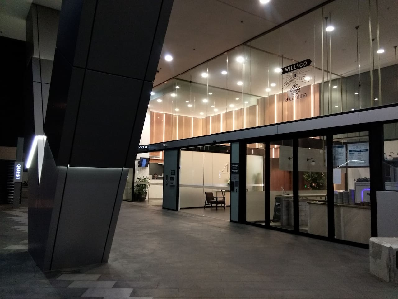 The Entrance - close to coffee, pub and Vietnamese fusion restaurant as well as newly opened medical centre.