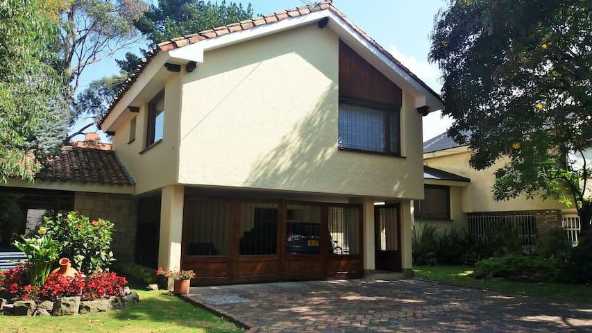 Cómodas habitaciones en Casa - Bogotá - House