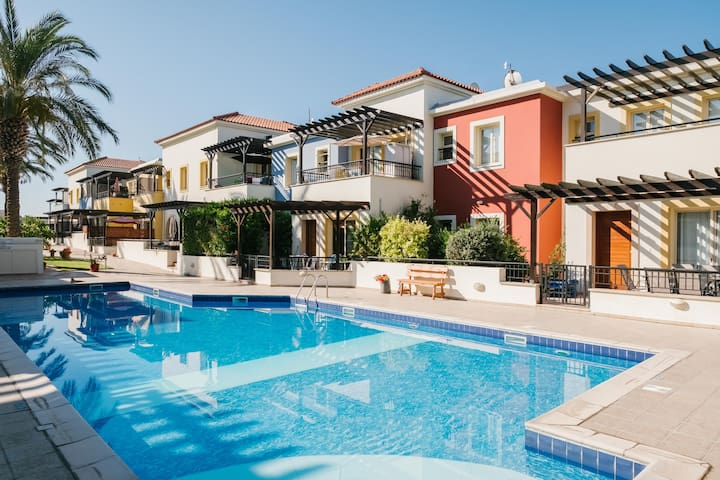 Aphrodite Gardens No.9 Luxury Apt - Ideal Location