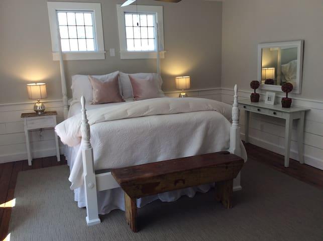 John Calvin Room Cottonwood Inn B&B