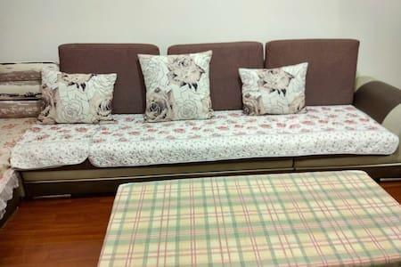 Wisteria House(紫藤家) (都江堰市区 整套或单间出租) - Chengdu