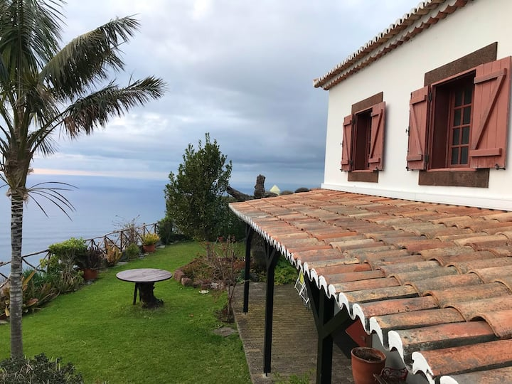 House with 2 bedrooms in Fajã da Ovelha, with wonderful sea view, terrace and WiFi - 2 km from the beach