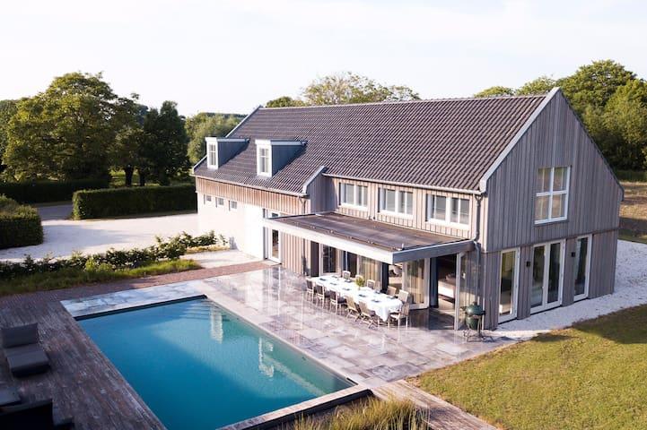 Off-Site villa met prive zwembad - Vergaderlocatie