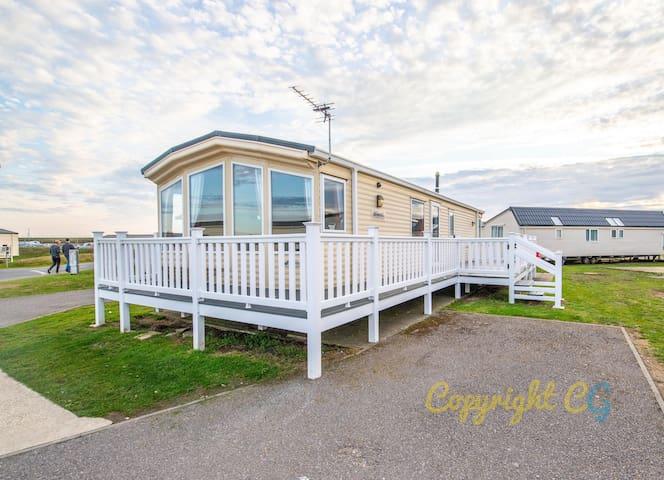 LBL8 - Camber Sands Holiday Park - Sleeps 6 - 2 mins walk to the beach - Dog Friendly