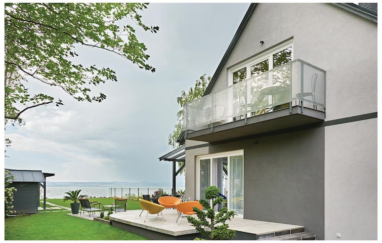 Semi-Detached with 3 bedrooms on 121 m² in Balatonszárszó