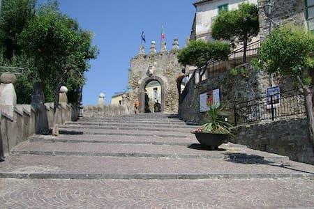 Grazioso bilocale in centro storico - Агрополи