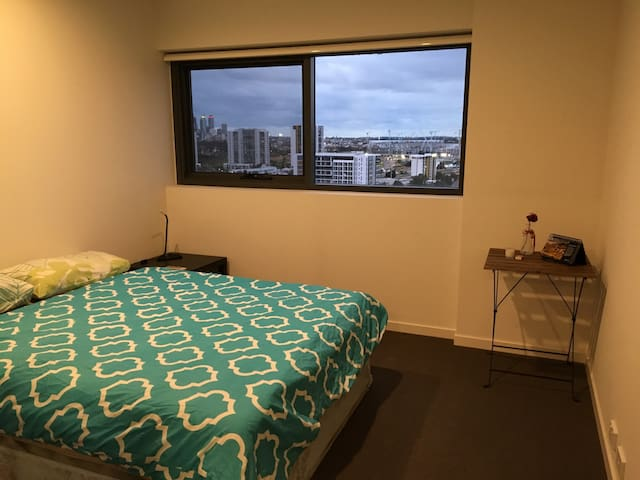 Modern flat with breathtaking view - Rivervale
