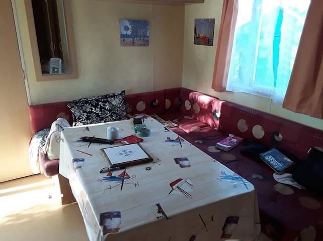 Sunny room, fantastic location, superb price