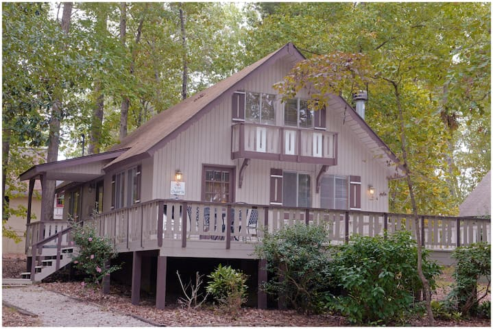 Pine Mountain Club Chalets - Offlake Three Bedroom #18 - Pet Friendly