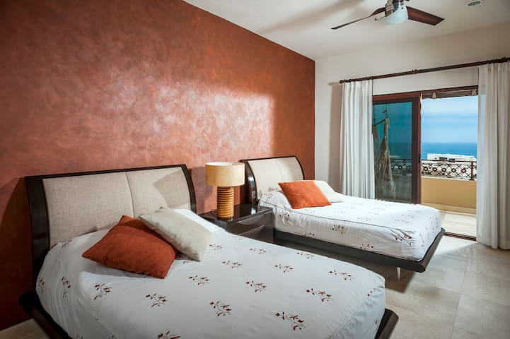 Guest room #1, 2 queen size beds, full private bathroom!