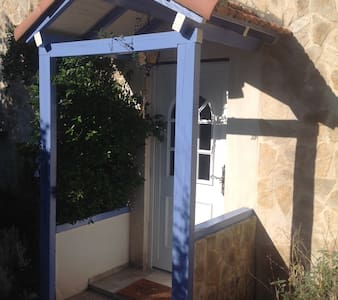 Self-catering house for 4/6 persons - Eyragues