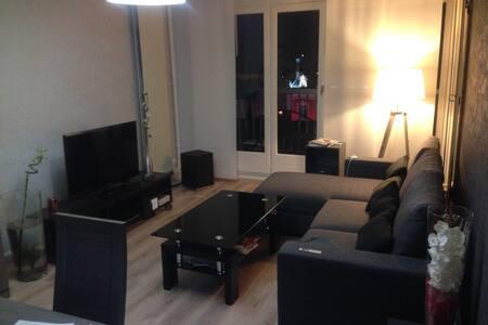 Appt de charme et confortable situé hyper centre - Montceau-les-Mines