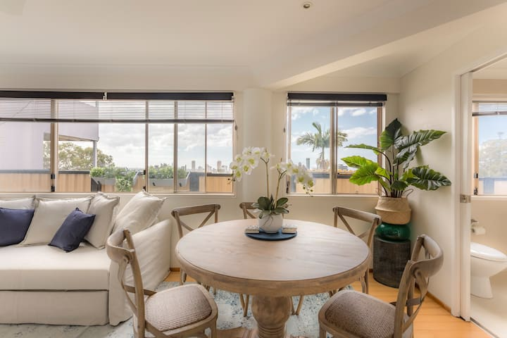 Burleigh Beach Ocean Views Haven