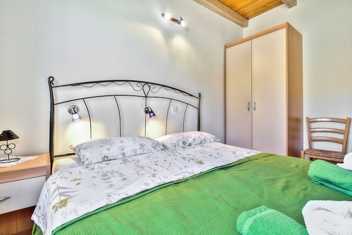 SANDRA house with apartments / LANA 1