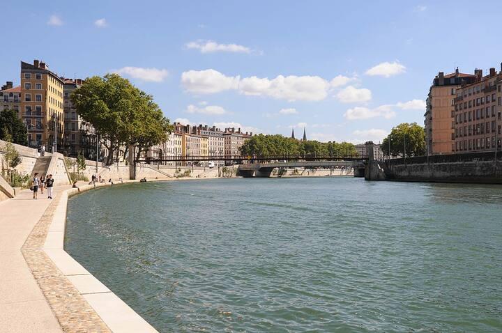 Les Quais de la Saône