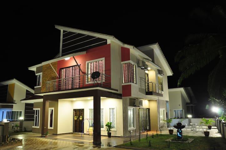 Rehoboth Villa