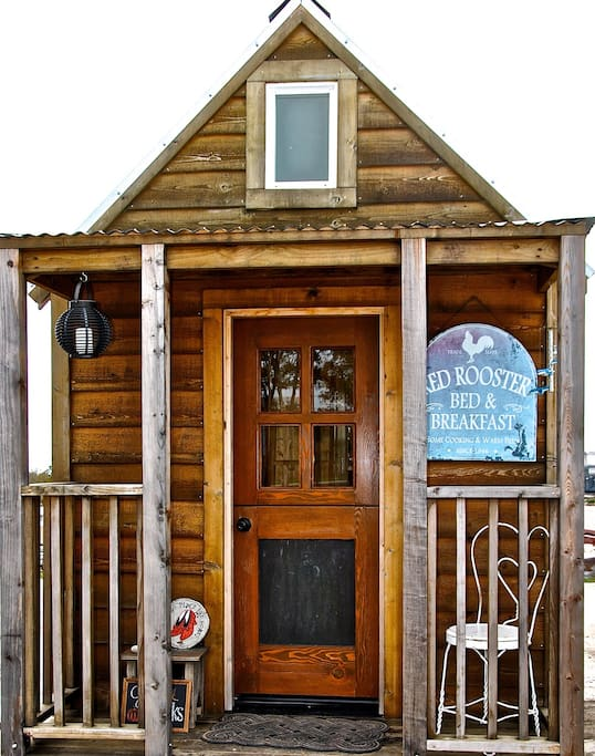 ruby tiny house at mlf community first village bed breakfasts for rent in austin texas. Black Bedroom Furniture Sets. Home Design Ideas