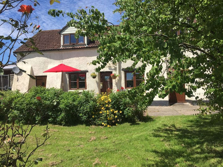 Swallow Cottage, Batney Farm, optional B&B
