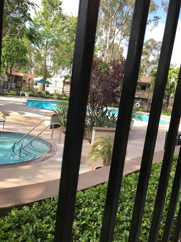 Nice private room with shared bathroom in SoCal - Laguna Hills - Pis