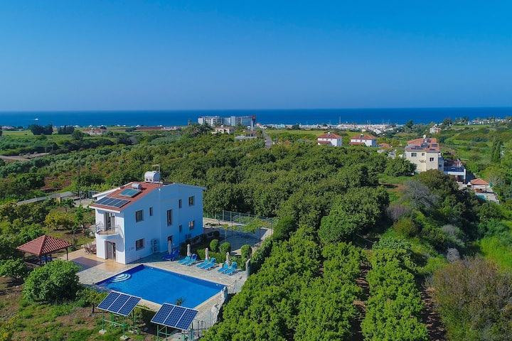 Leda Finiki: Private villa with pool, AC, Wi Fi