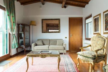 Vacanze Castelli Romani main floors - Huvila