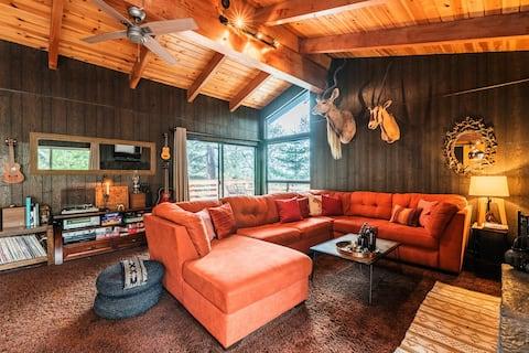 Fort Black Bear w/ Hot Tub - Lake Arrowhead