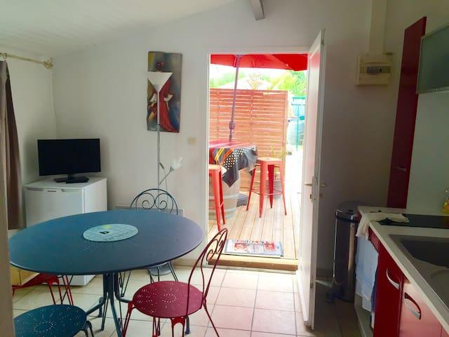 Agréable Maison calme 30m2 avec terrasse au soleil
