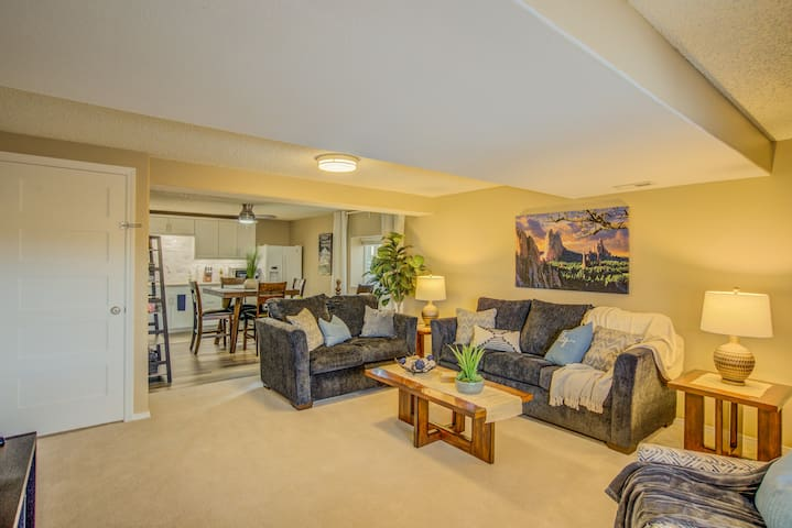 Peaceful 2BR Downstairs Suite W/ Hot Tub near AFA
