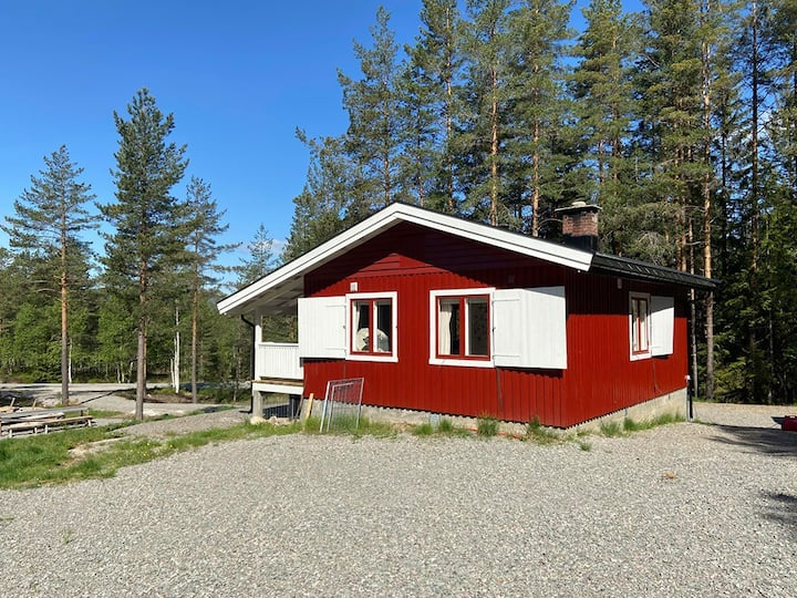 """""""Simple life"""" cabin close to the Telemark canal"""