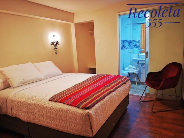 Casa Recoleta 01 Habitación  baño privado y wifi