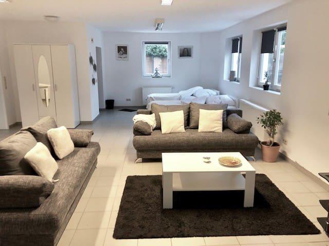 Neueingerichtete 100 qm Wohnung