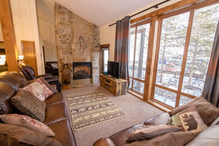 Luxurious Ski In/Out 3BD 3BA Granby Ranch Unit #69