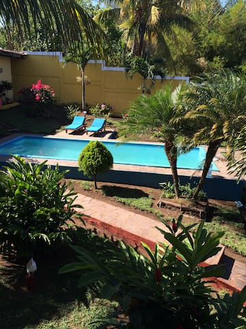 La Serenidad - San Juan de Oriente - Huis