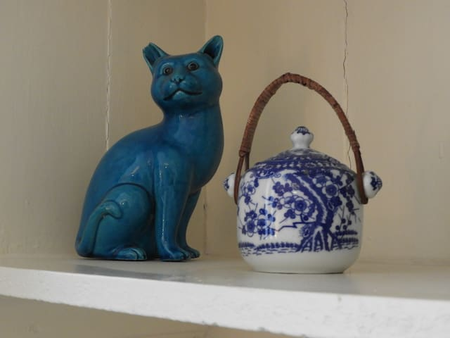 The Little Crooked Cat?