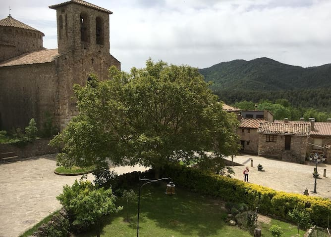 Escape to a quiet town in Catalunya