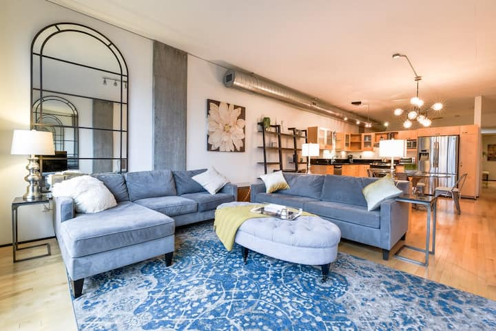 Beautiful Pearl District Loft with On-Site Parking