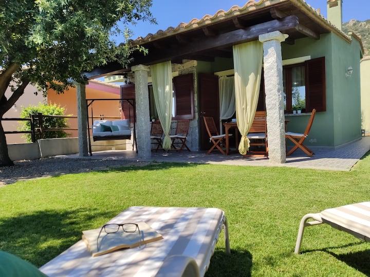 Villa Cruccuris ampio giardino privato e free wifi