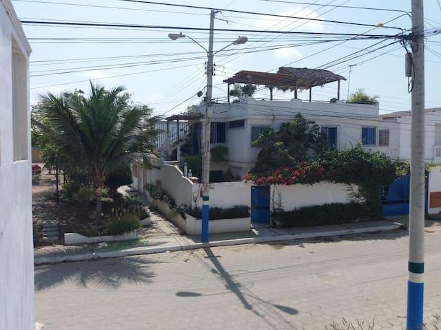 Acogedora casa en Ballenita